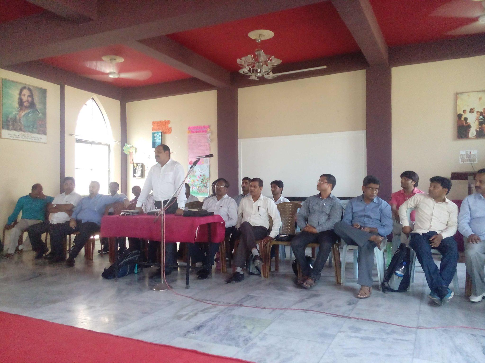 मुख्यमंत्री योगी के सद्बुद्धि के लिए प्रार्थना सभा का आयोजन