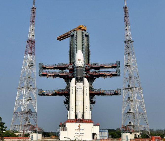 इसरो ने लॉन्च किया संचार उपग्रह जीएसएटी -29 (GSAT-29)