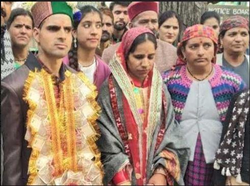 कुल्लू में एक युवा नरेश ने एक नेत्रहीन लड़की से शादी कर एक मिसाल कायम किया
