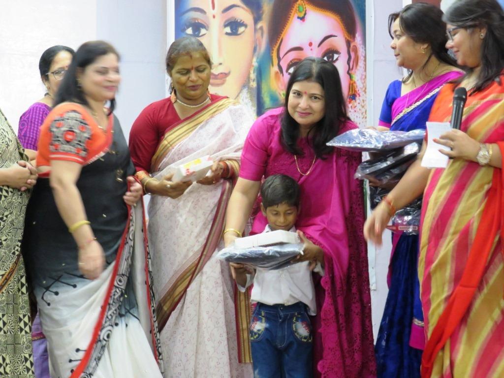 संजीवनी महिला समिति ने जरूरतमंद बच्चों को दिया अपनी प्रतिभा दर्शाने का मंच