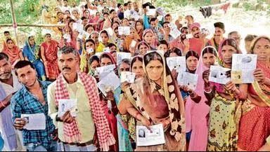 पटना-कई जगह झड़प, हवाई फायरिंग के बीच 53.55 फीसदी वोटिंग